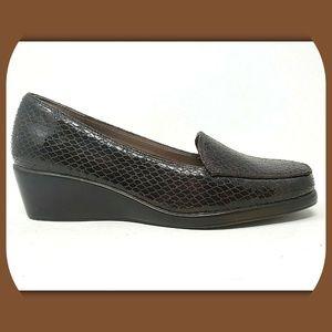 NEW AEROSOLES Final Exam Wedge Loafers